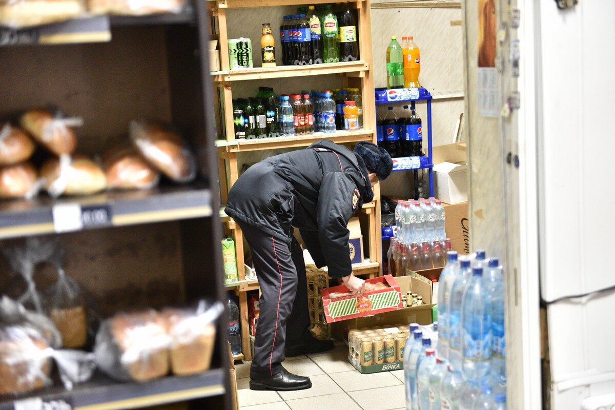 В ярославском магазине изъяли контрафактный алкоголь и полсотни поддельных пачек сигарет