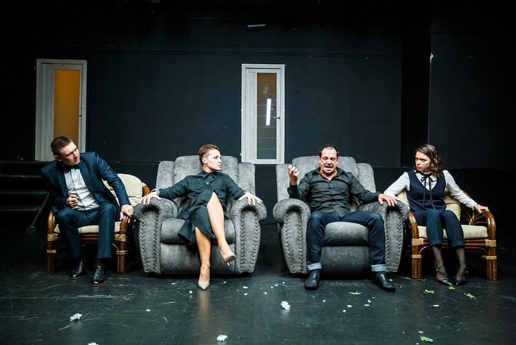 Актеры Волковского театра поедут на гастроли в Санкт-Петербург