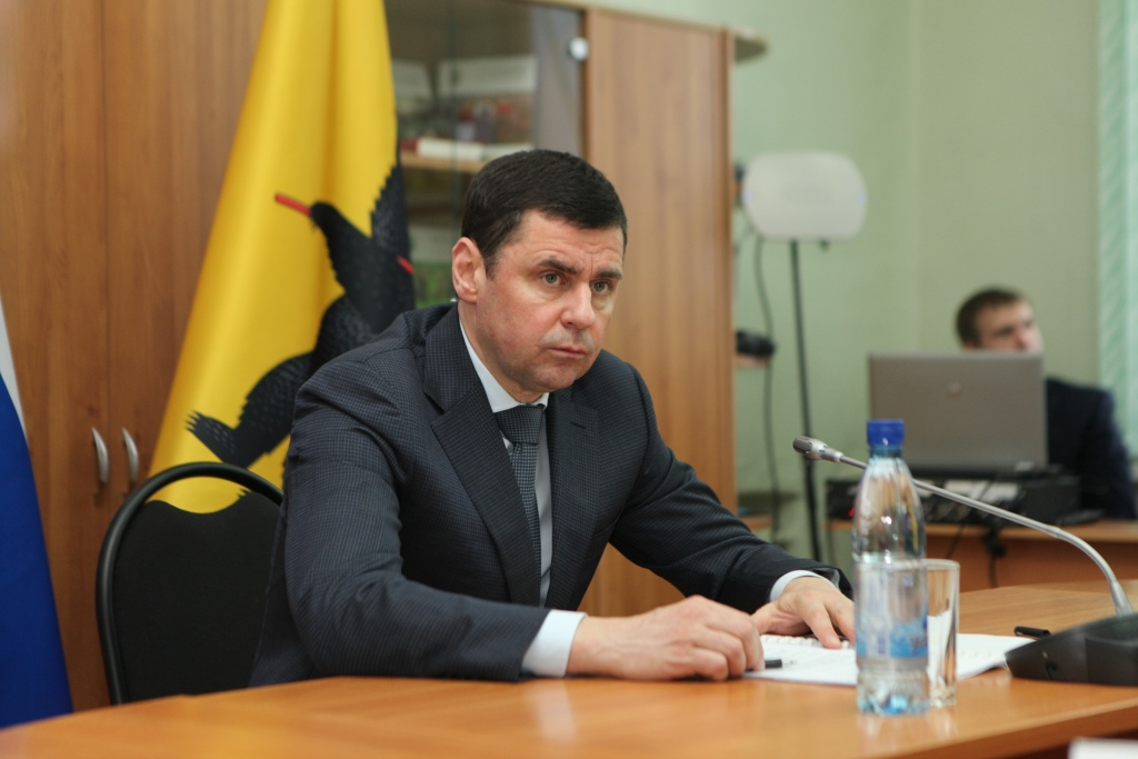 Дмитрий Миронов поручил главам районов в короткие сроки устранить замечания по прохождению отопительного сезона, выданные Ростехнадзором