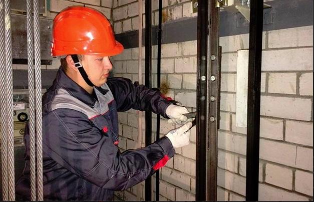 В Ярославле затянули ремонт лифтов