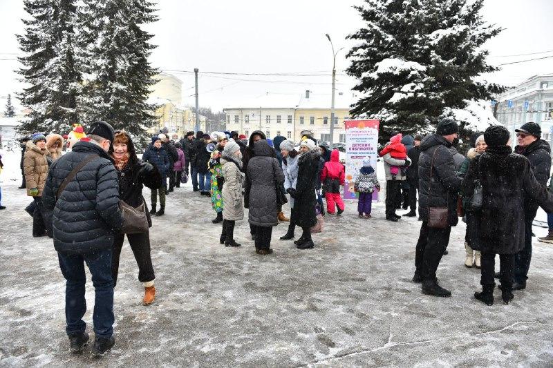 Мэрия Ярославля призывает горожан активнее жаловаться на плохую уборку дорог и чистку кровель