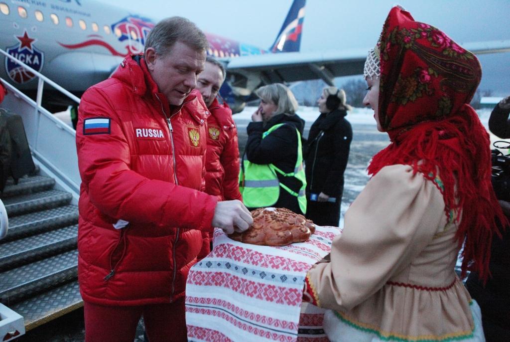 Сборная России по хоккею прибыла в Ярославль: фото