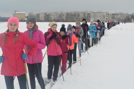 Ростовские школьники отправились в 45-километровый лыжный пробег «Русь-2019»