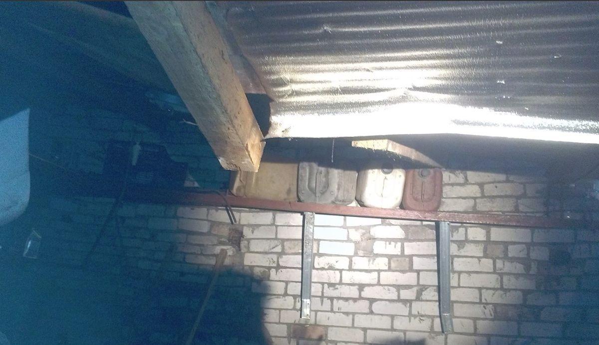 Три человека пострадали при пожаре в гаражном кооперативе в Рыбинске