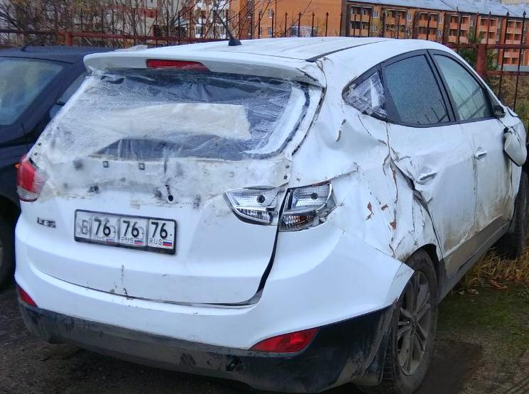 Ярославец разбил иномарку, скрываясь от приставов