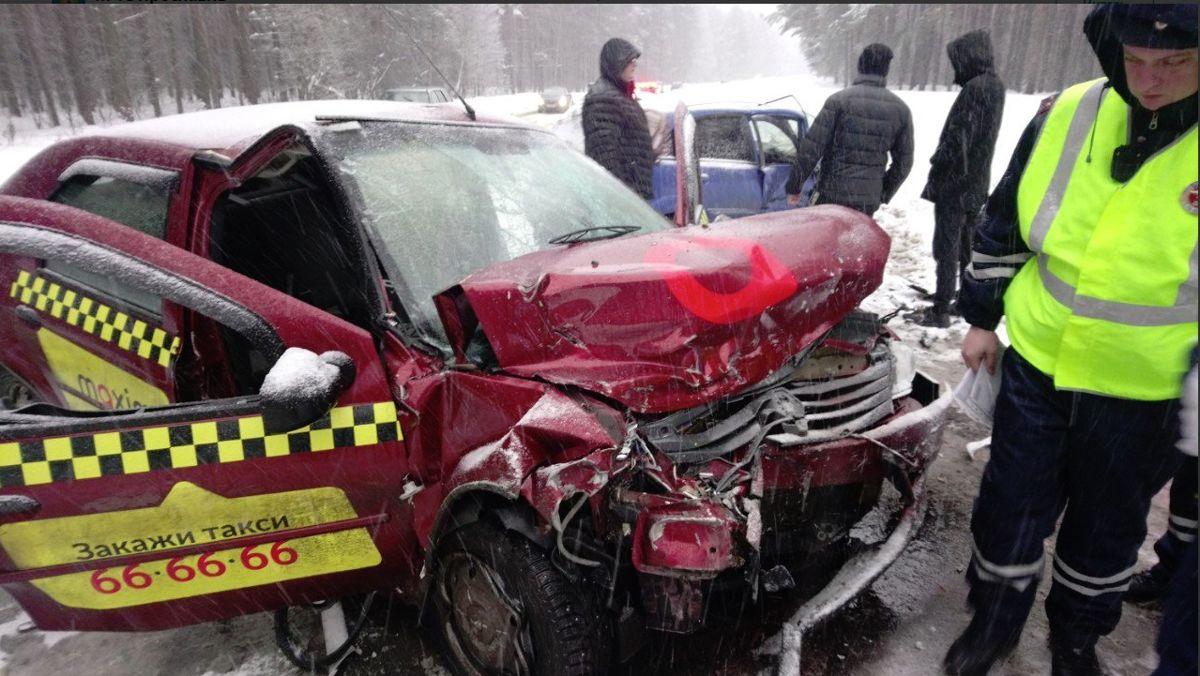 Три человека пострадали в ДТП под Ярославлем
