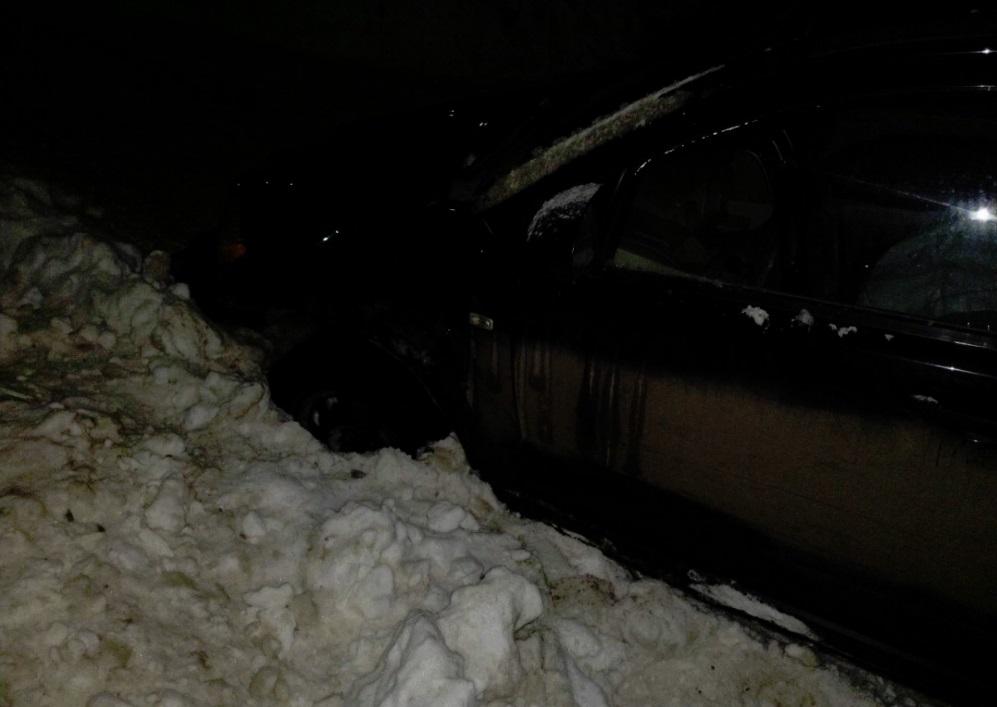 В Ярославле работник автосервиса угнал автомобиль из мастерской и попал в ДТП