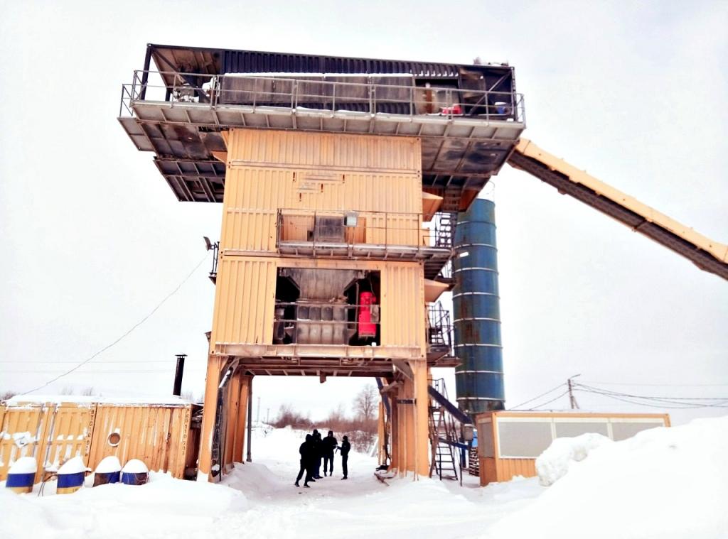 В Ярославской области приставы описали мини-завод по производству асфальта