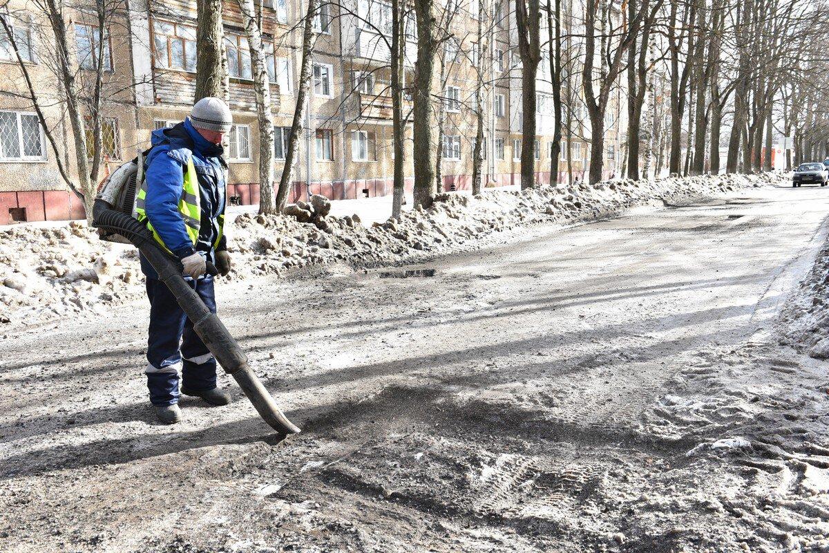 В Ярославле ремонтируют дороги литым асфальтом: адреса