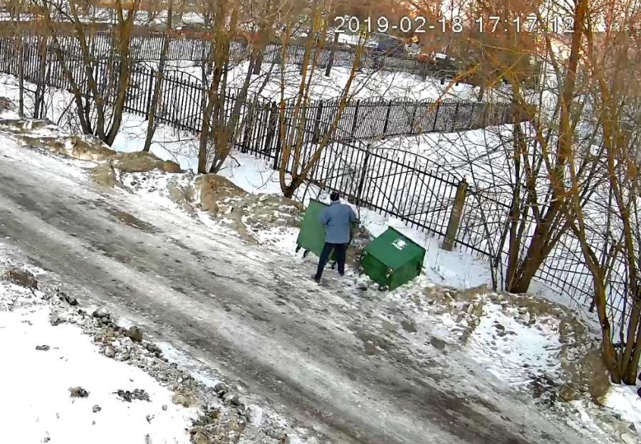 В Рыбинске задержали мусорных вандалов