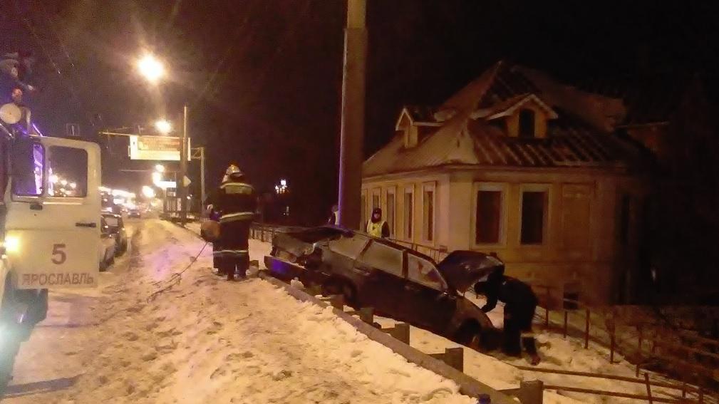 На Московском проспекте легковушка вылетела с дороги