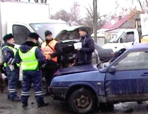 В Ярославле «Газель» столкнулась с легковушкой