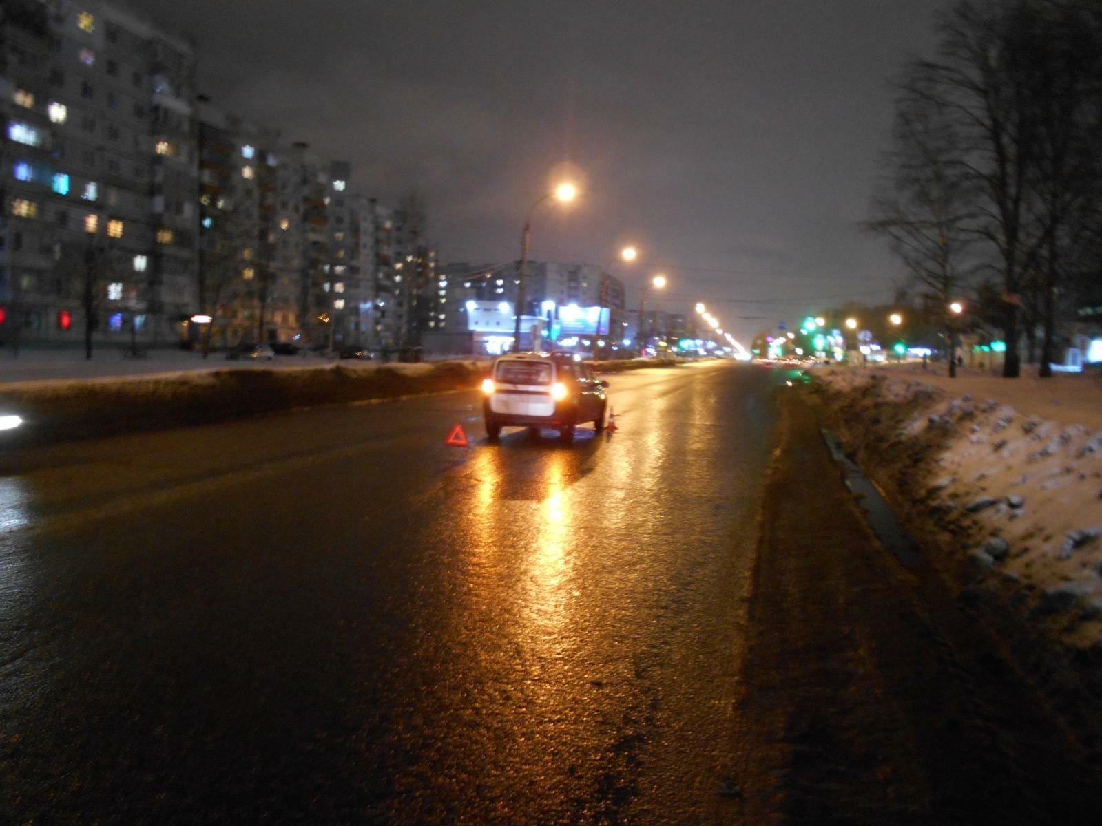 Подросток попал под колеса машины на крупном проспекте в Ярославле