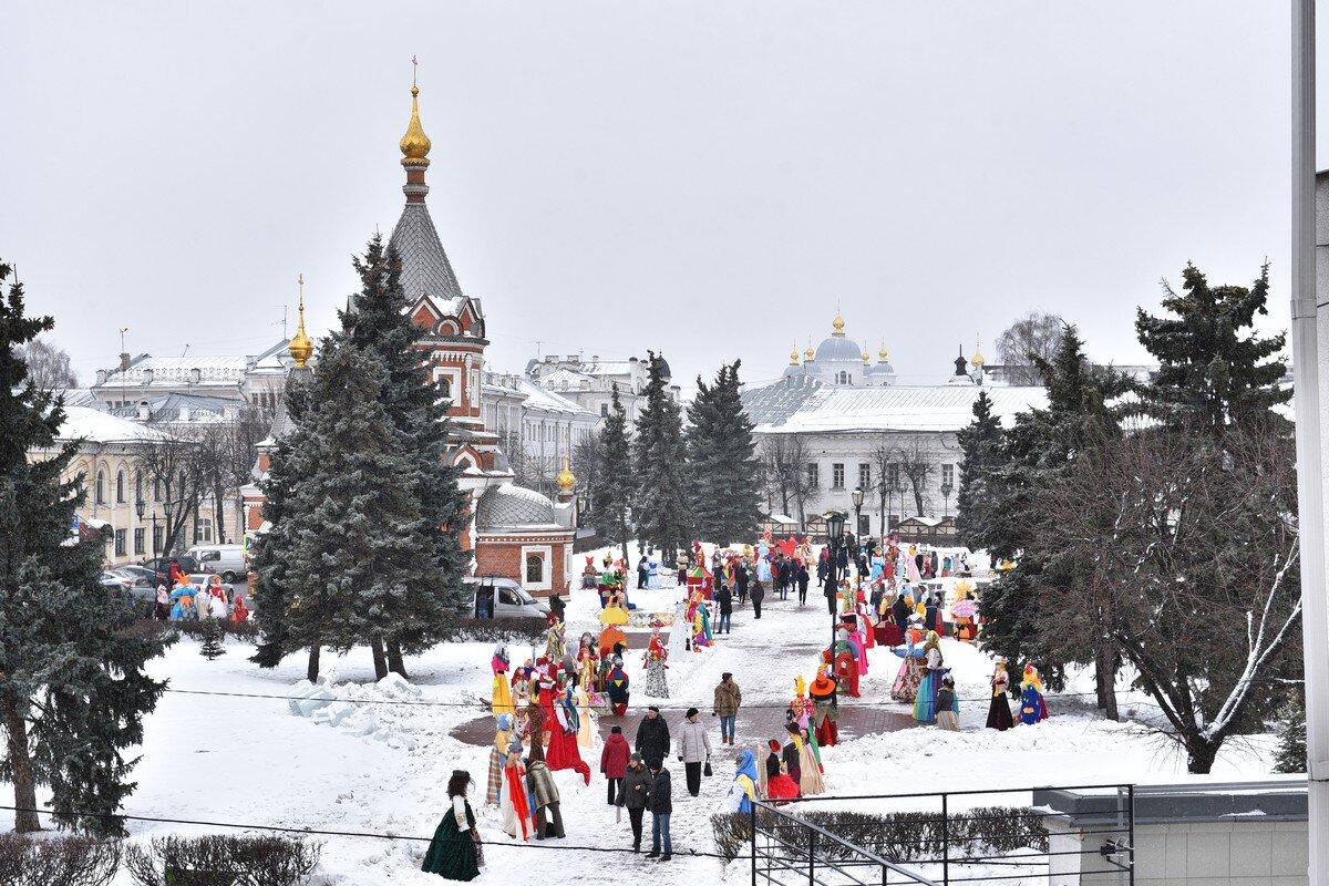 Ярославская Масленица запомнится хороводом, карнавальным шествием и выставкой арт-объектов