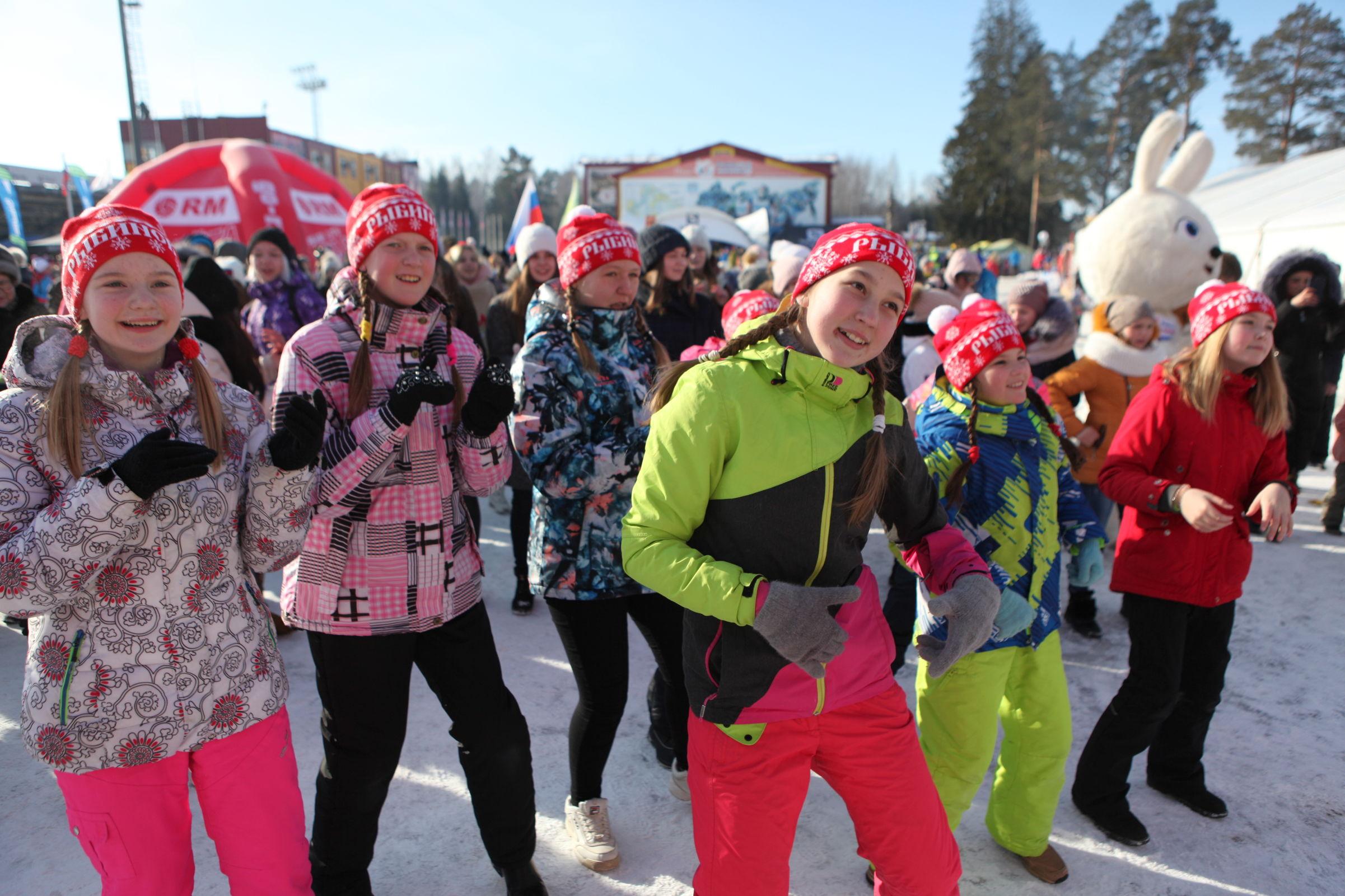 Под Рыбинском стартовал XII Ростех Деминский марафон: фото