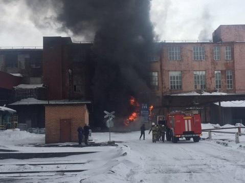 Пожар на шинном заводе в Ярославле локализован
