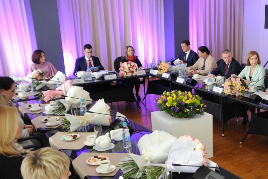 Дмитрий Миронов встретился с женским активом региона