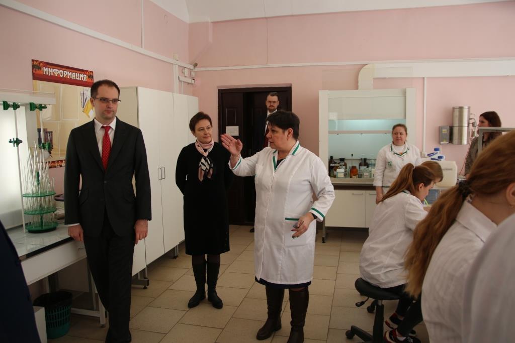 В Ярославле тренируются члены национальной сборной «WorldSkills» по компетенции «Лабораторный химический анализ»