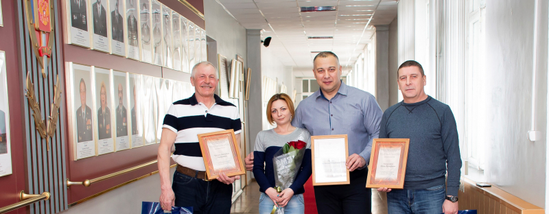 В Ярославле наградили задержавших карманника кондуктора, водителя и пассажира маршрутки