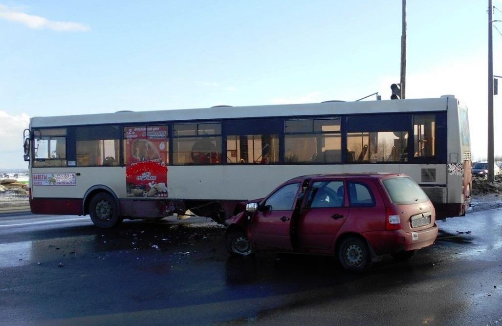 Стали известны подробности ДТП с участием автобуса на Московском проспекте