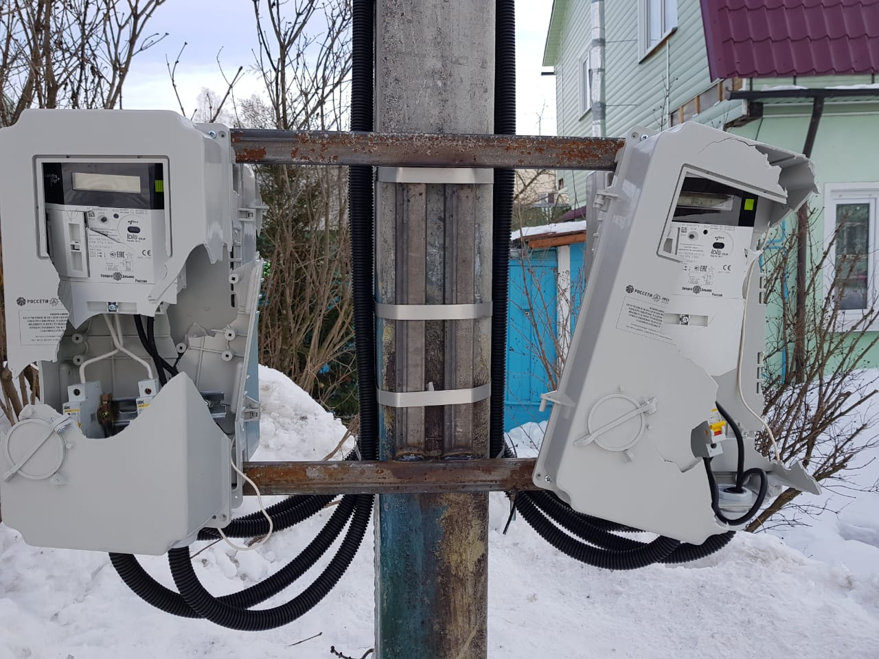 Разбившему электросчетчики ярославцу грозит уголовная ответственность