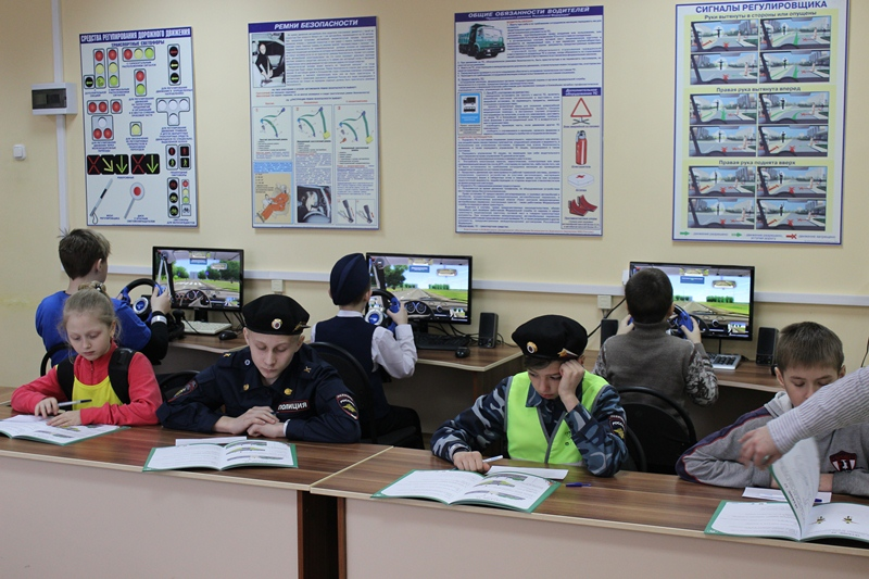 В Ярославской области создано 63 отряда юных инспекторов движения