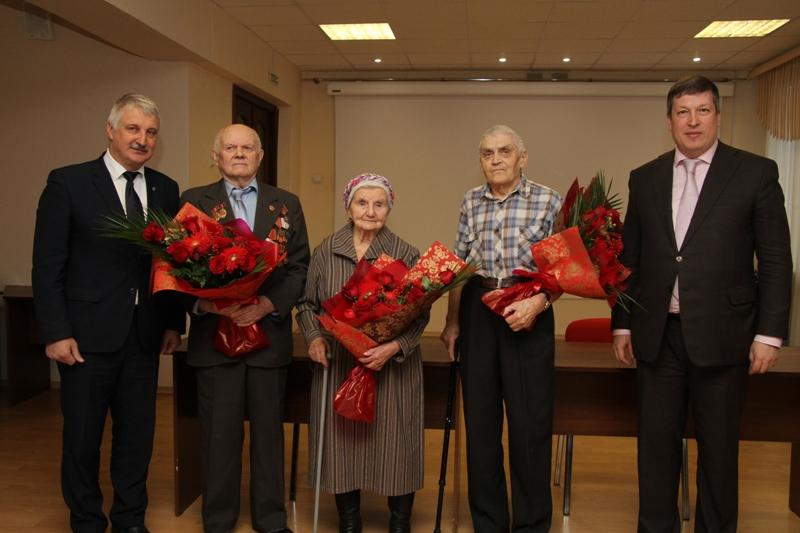В Рыбинске ветеранам и членам их семей вручили свидетельства на приобретение жилья