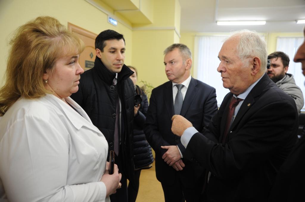 Леонид Рошаль посетил поликлинику Центральной городской больницы Ярославля