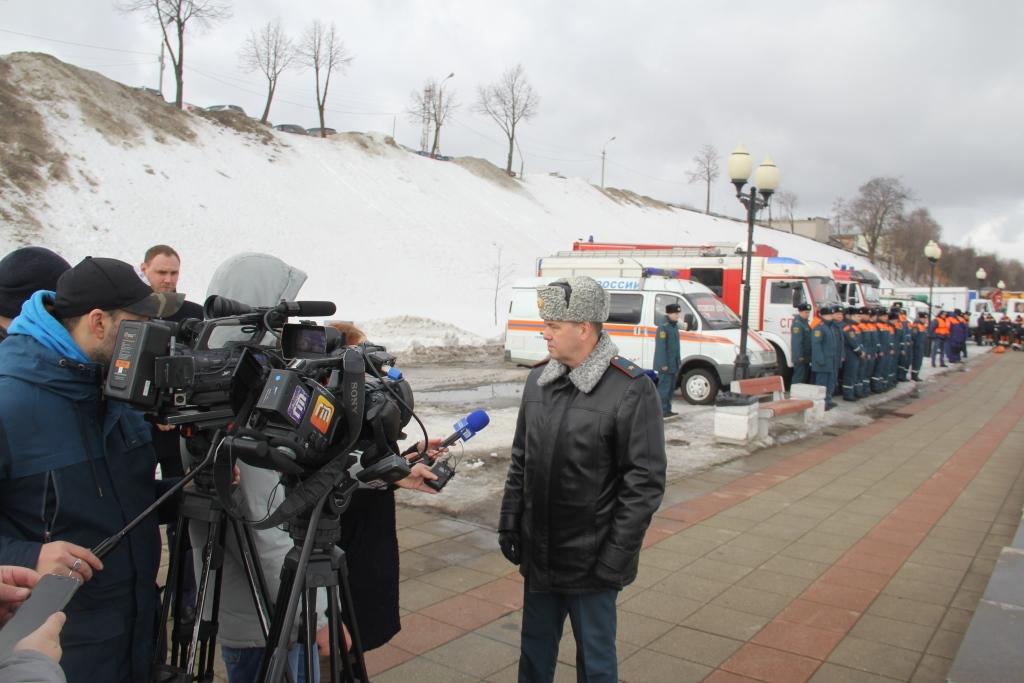 В Ярославле спасатели провели тренировку по ликвидации ЧС в период паводка