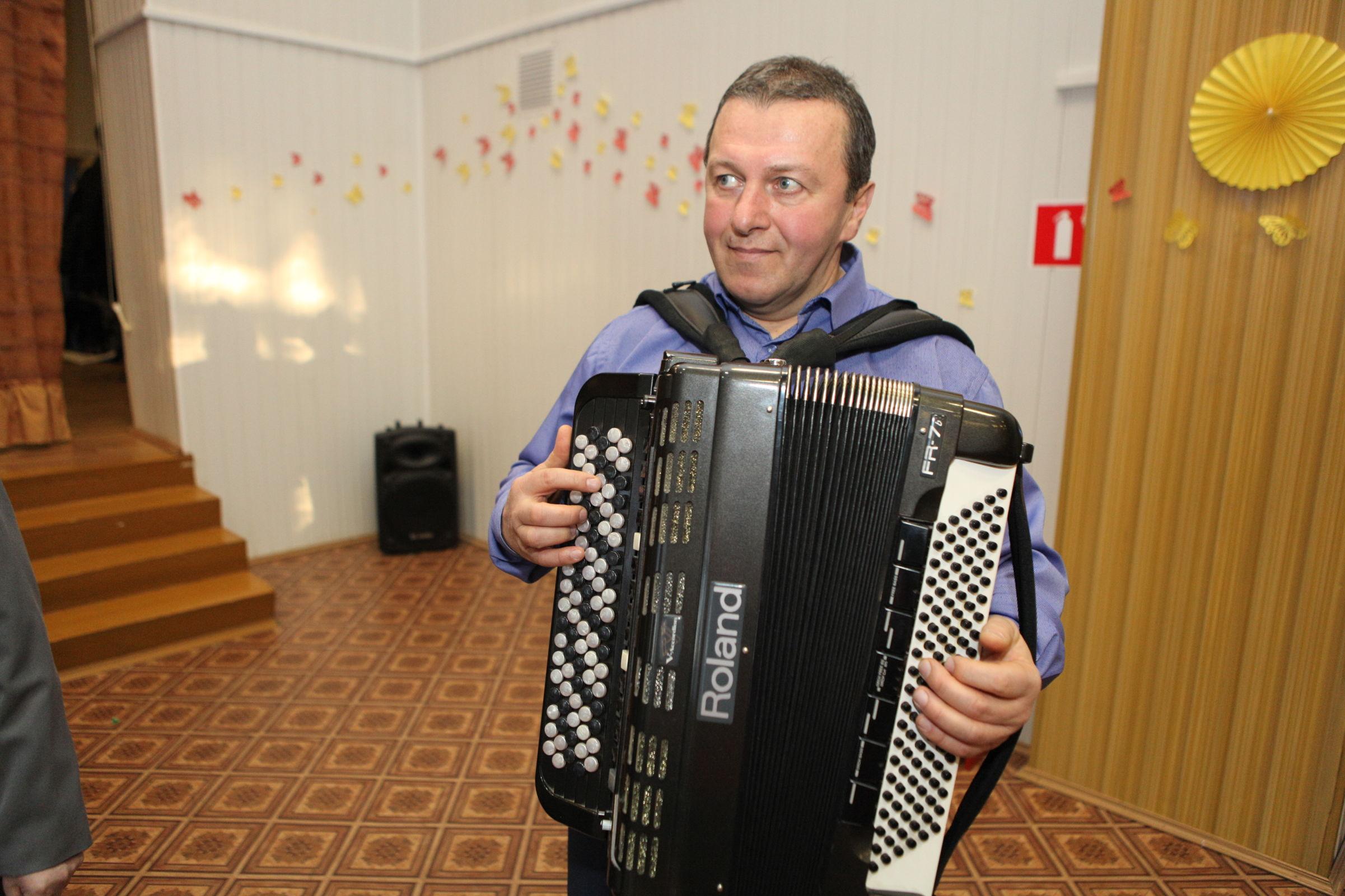 В Ярославской области поют полицейские: хору исполнилось 10 лет