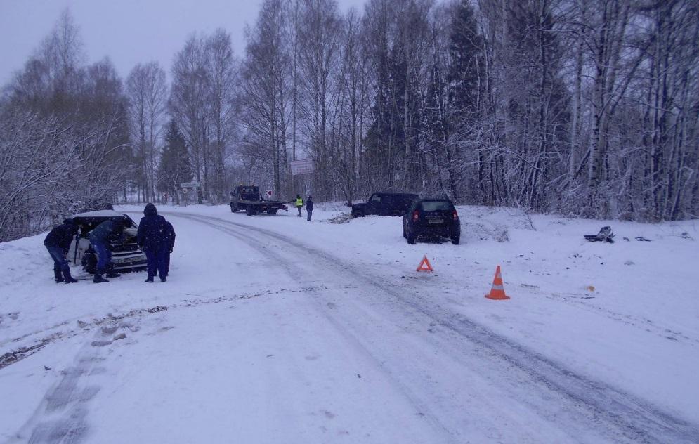 Два человека пострадали в тройном ДТП под Рыбинском