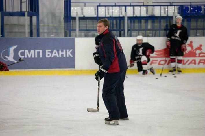 «Звёзд надо искать в глубинке»: игрок золотого состава «Торпедо» — о том, как вырастить хоккеиста