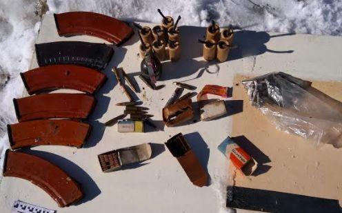 В Ярославской области неподалеку от домов обнаружили целый склад боеприпасов