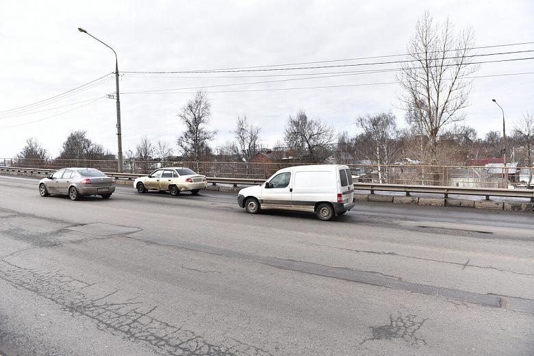 Мэрия: в Ярославле устранили ямы на съездах с Октябрьского моста
