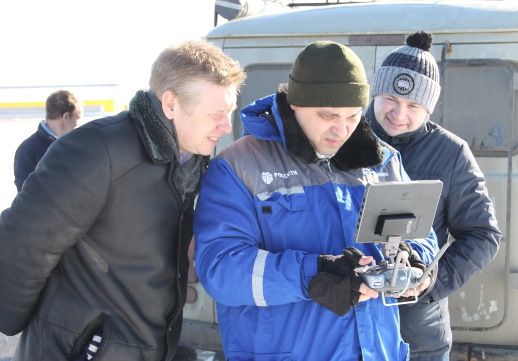 Ярославские энергетики обследовали ЛЭП с помощью дрона