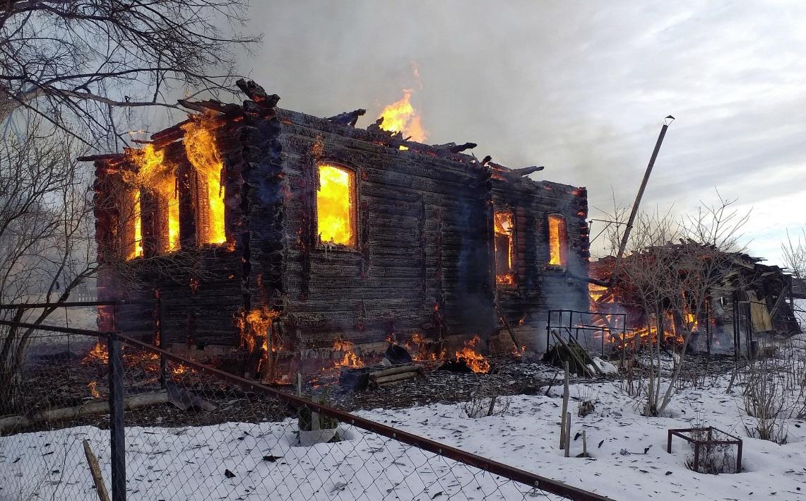 Женщина пострадала при пожаре в Ярославской области