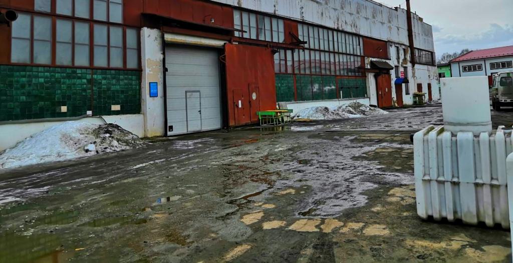 У ярославской фирмы из-за долга в 3 миллиона рублей арестовали 8 зданий