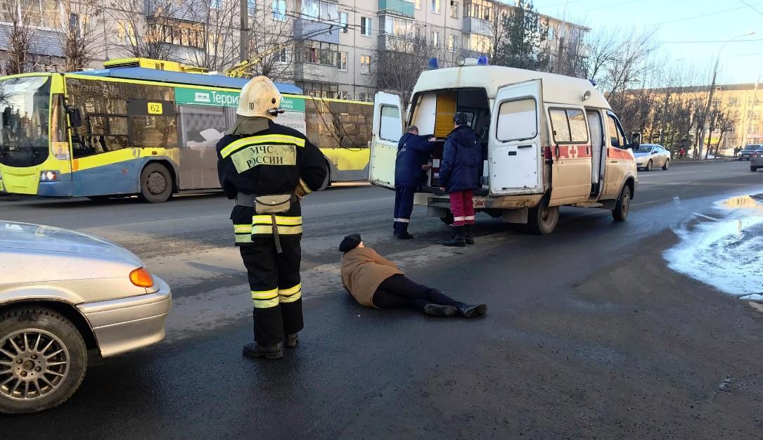 В Рыбинске под колеса машины попала пенсионерка
