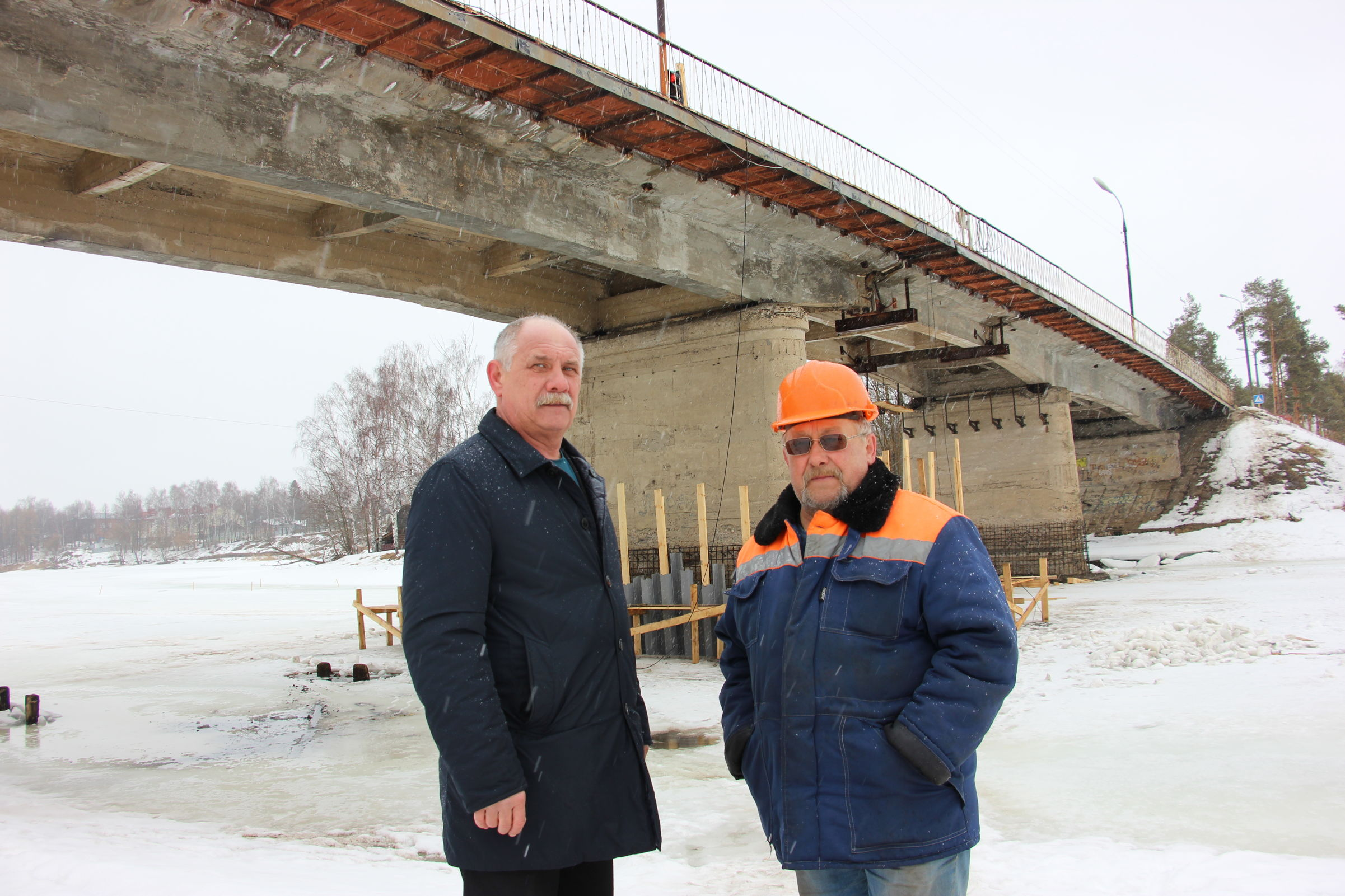 На мосту через Солоницу продолжаются ремонтные работы
