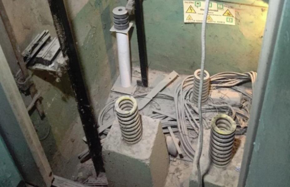 Многомиллионный штраф грозит подрядчику, сорвавшему сроки замены лифтов в Ярославле