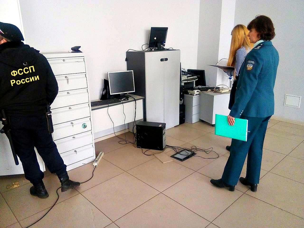 У ярославской фирмы арестовали имущество из-за крупных долгов