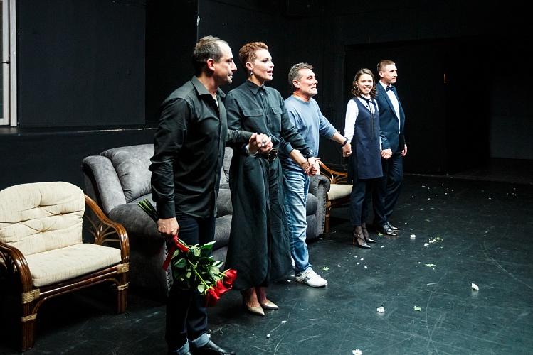Волковский театр дает спектакли в Москве в Театре наций