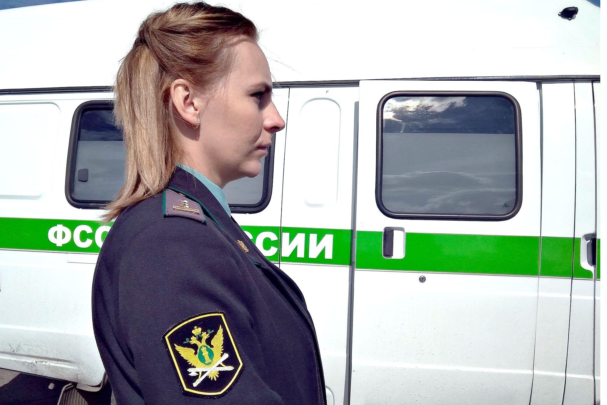 Ярославна присвоила себе часть городской земли и построила забор на дороге