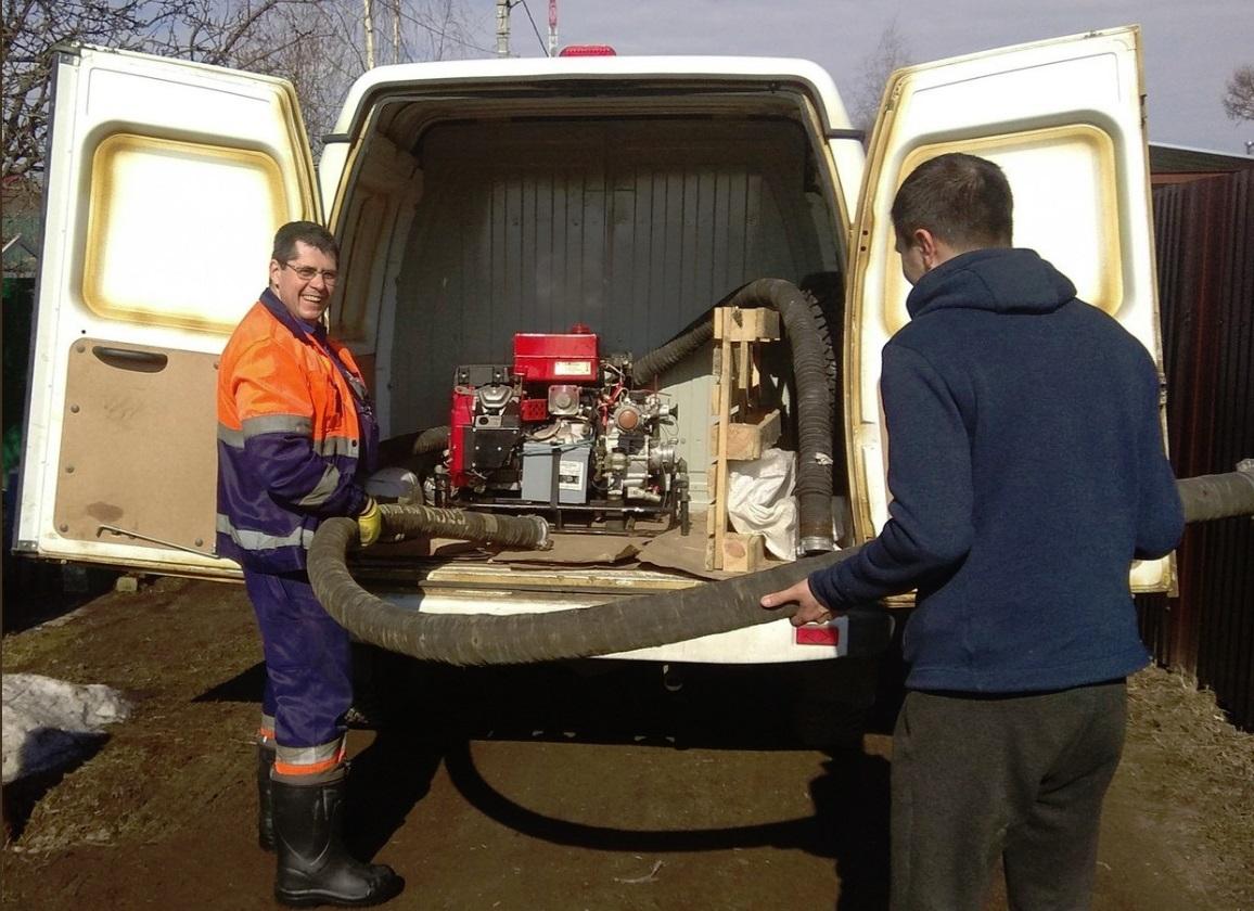 Волонтеры и спасатели откачали воду из подвала ярославны – ветерана ВОВ