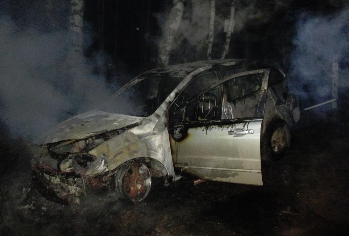 За ночь в Ярославской области сгорели два автомобиля: фото