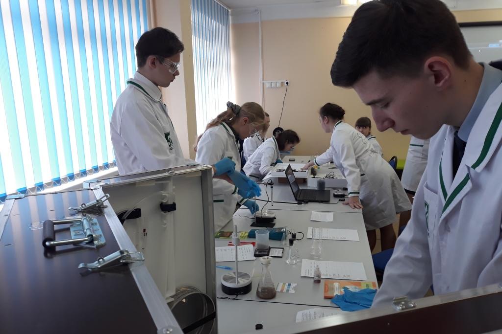 Начались занятия в лаборатории ярославского лицея №86, созданной в рамках губернаторского проекта