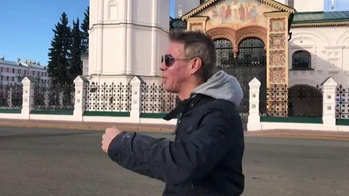 Алексей Панин в Ярославле вспомнил о съемках: «На Советской площади стояла моя BMW, и мы все пили в ней»