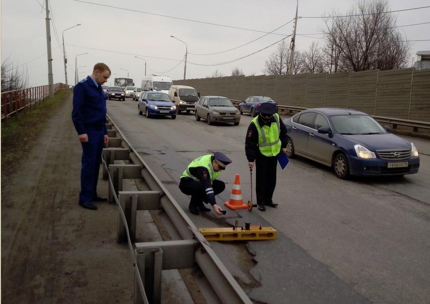 Прокуроры требуют отремонтировать Октябрьский мост в Ярославле