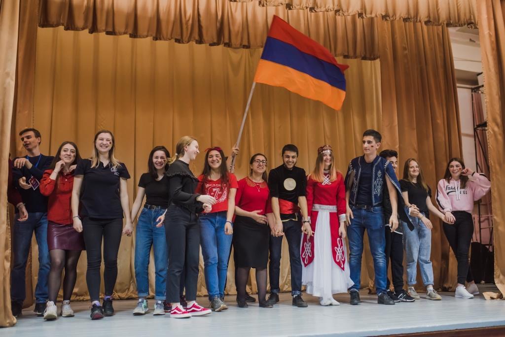 130 школьников и студентов принимают участие в ярославском фестивале межнационального сотрудничества