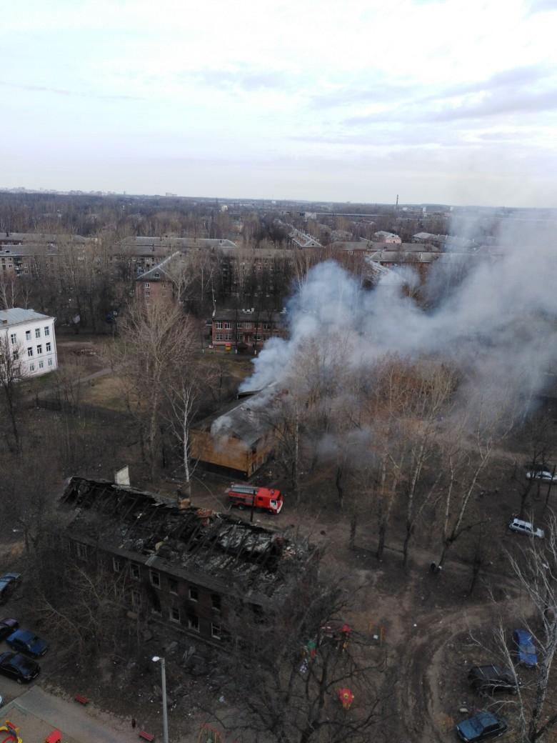 На Пятерке в Ярославле горел расселенный дом